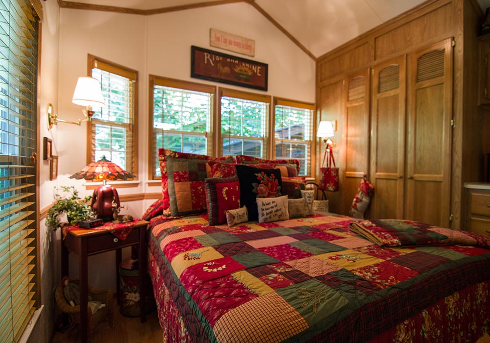 Bedroom Log Cabin Style